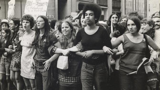 """[CINEMA] """"She's Beautiful When She's Angry"""": Os movimentos da libertação feminina na década de 60 e 70"""