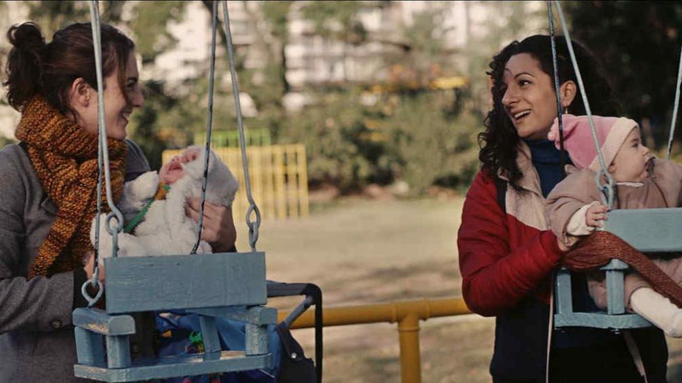 """[CINEMA] """"Minha Amiga do Parque"""": Sobre Maternidade e Questões de Classe"""