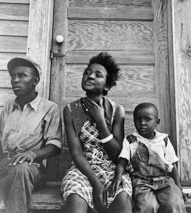 Mulheres na história da fotografia documental