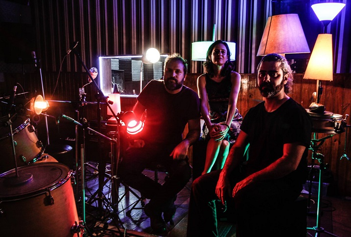 """[MÚSICA] Amphères: Inspirada pela liberdade no contemporâneo, banda lança seu segundo EP, """"Dança"""""""