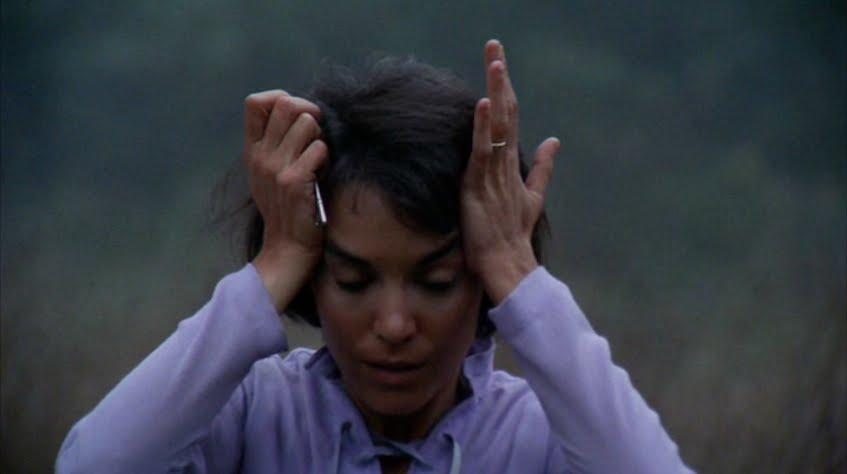 A mulher louca nos filmes de terror: o medo feminino tratado como loucura