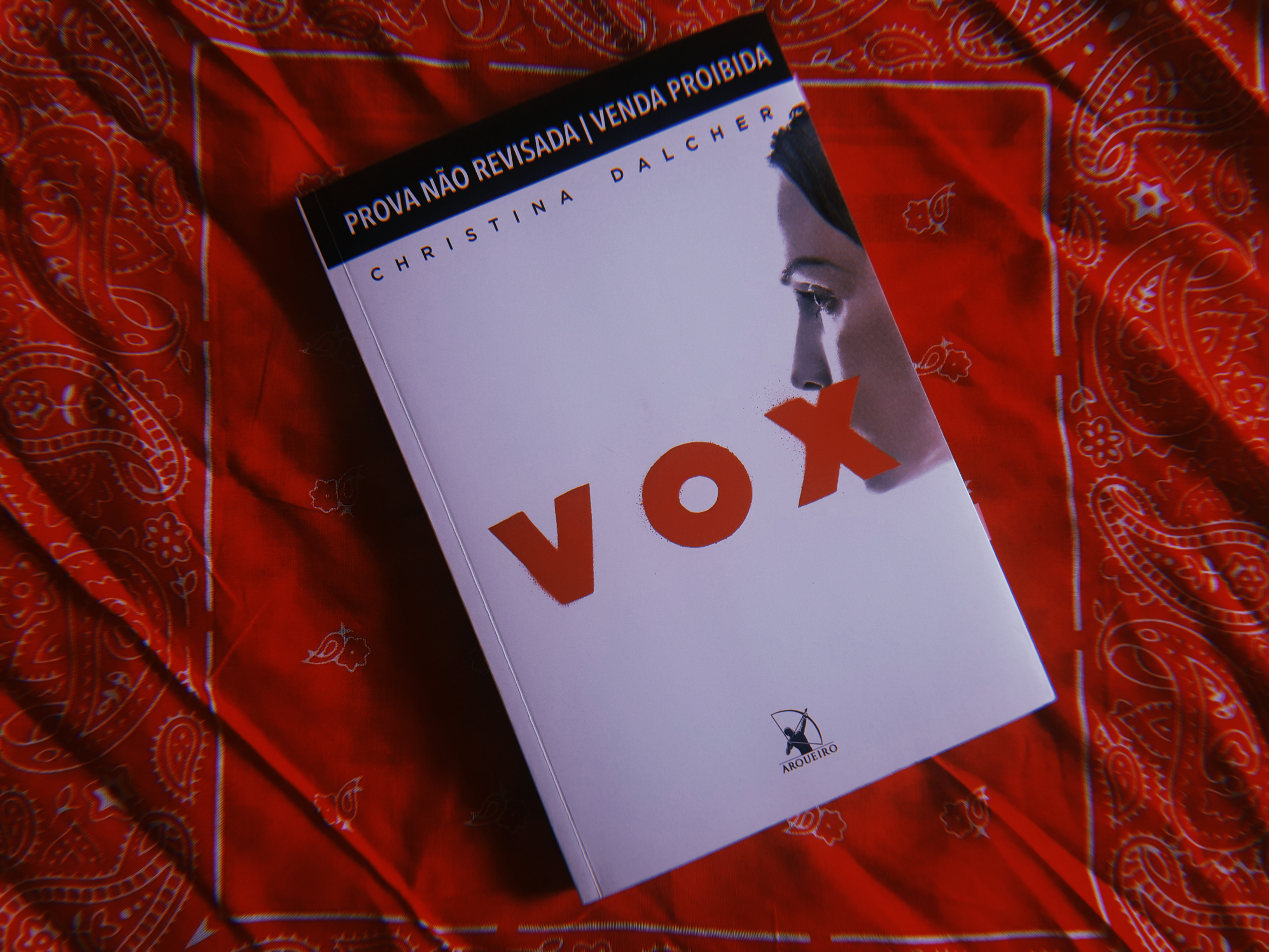 """""""VOX"""", de Christina Dalcher: Nunca calarão nossas vozes!"""