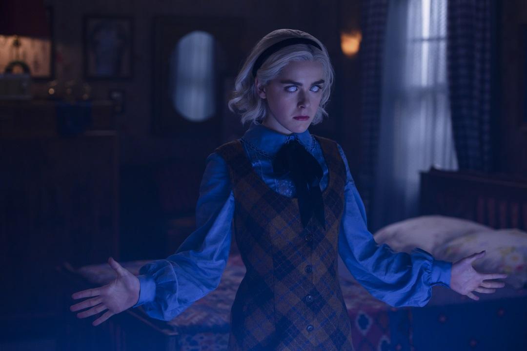 """2ª temporada de """"O Mundo Sombrio de Sabrina"""" é mais crítica, mais sinistra e melhor direcionada!"""