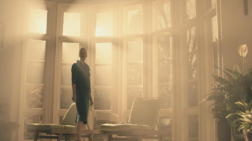 Serena Joy (Yvonne Strahovski)