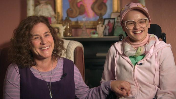 Dee Dee (Patricia Arquette) e Gypsy Rose (Joey King)