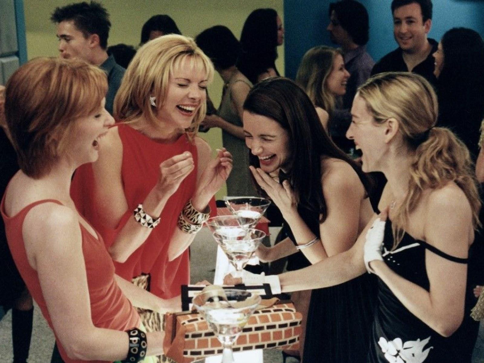 Entre drinks e exageros: como a cultura pop pode influenciar nosso interesse