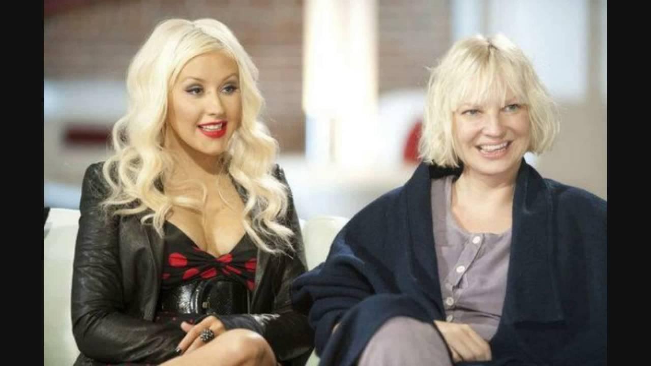 Sia com Christina Aguilera (Imagem: reprodução)