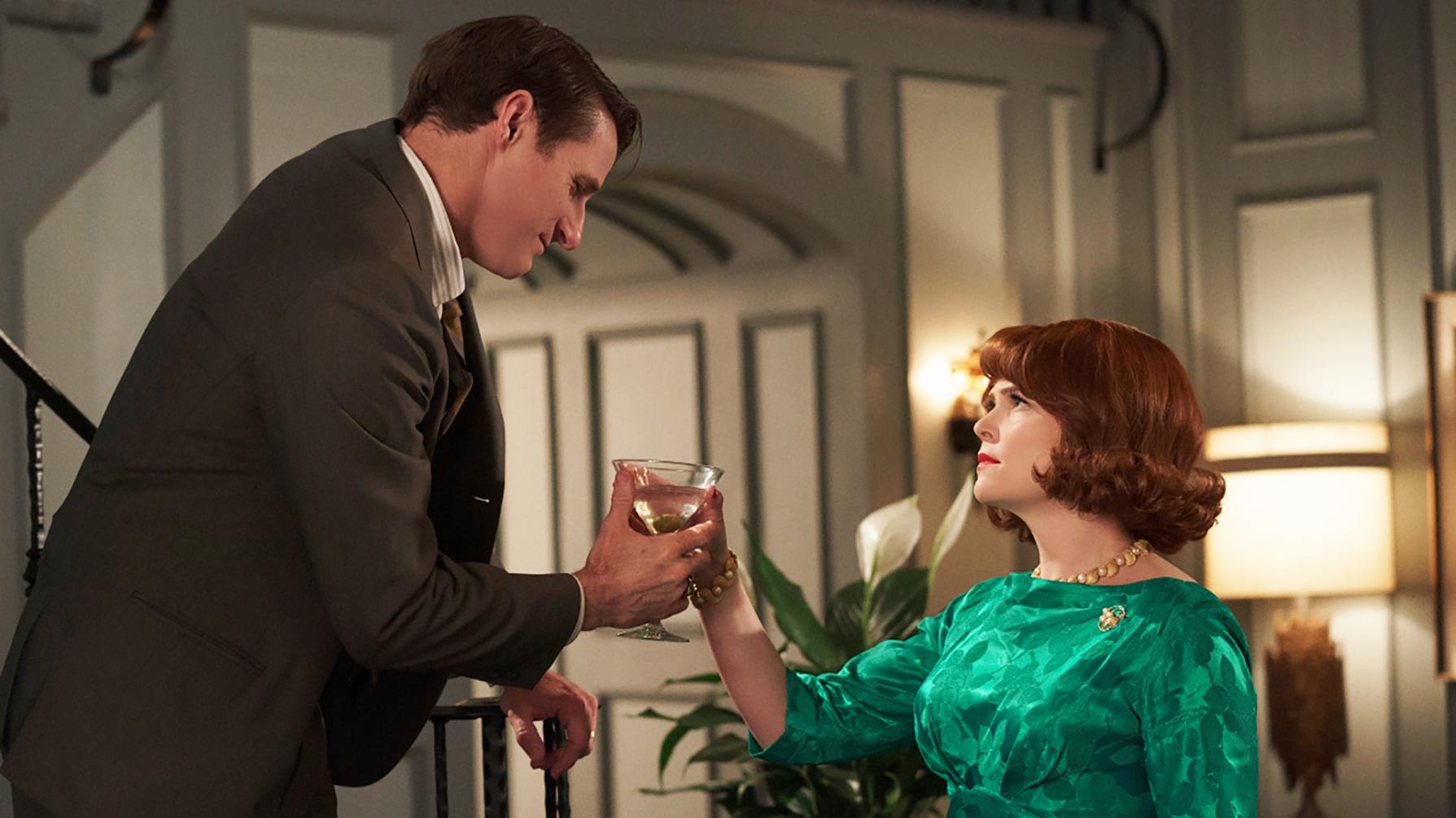 """Rob Stanton (Sam Jaeger) e Beth Ann em cena de """"Why Women Kill"""""""