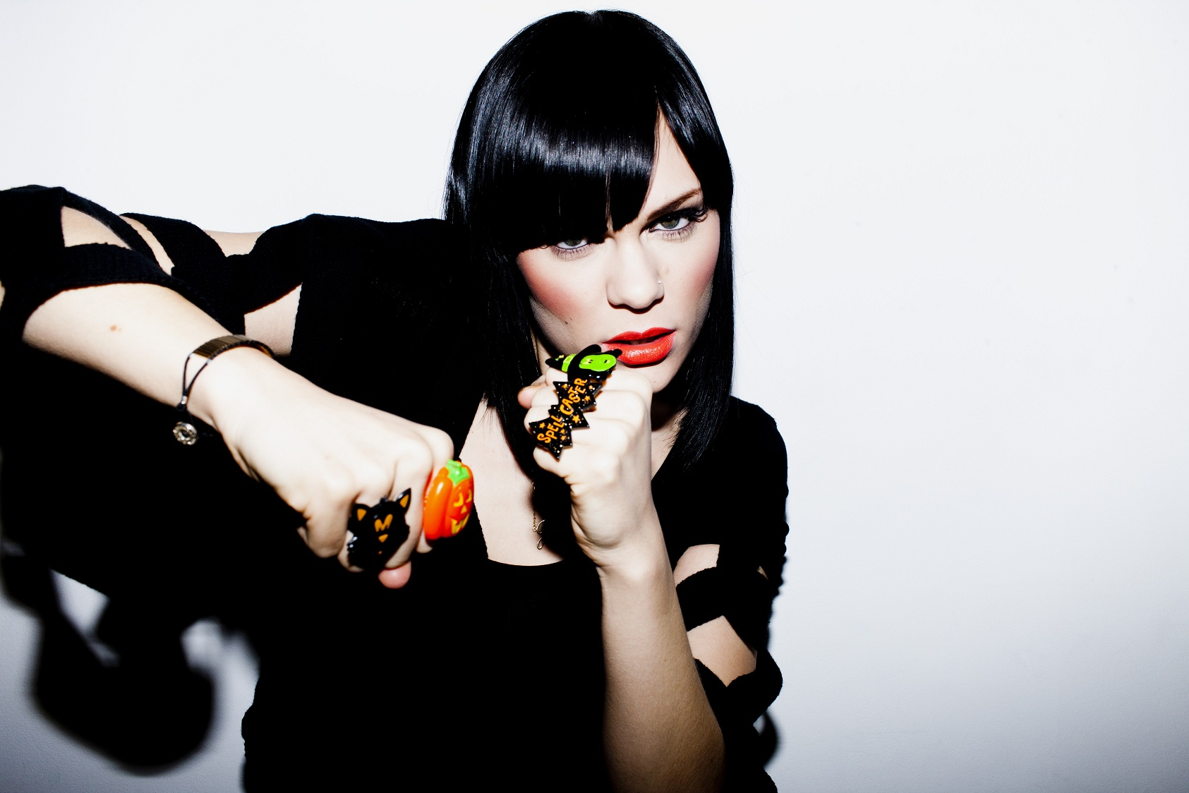 Jessie J: pop que discute a autoestima e busca uma autoimagem positiva