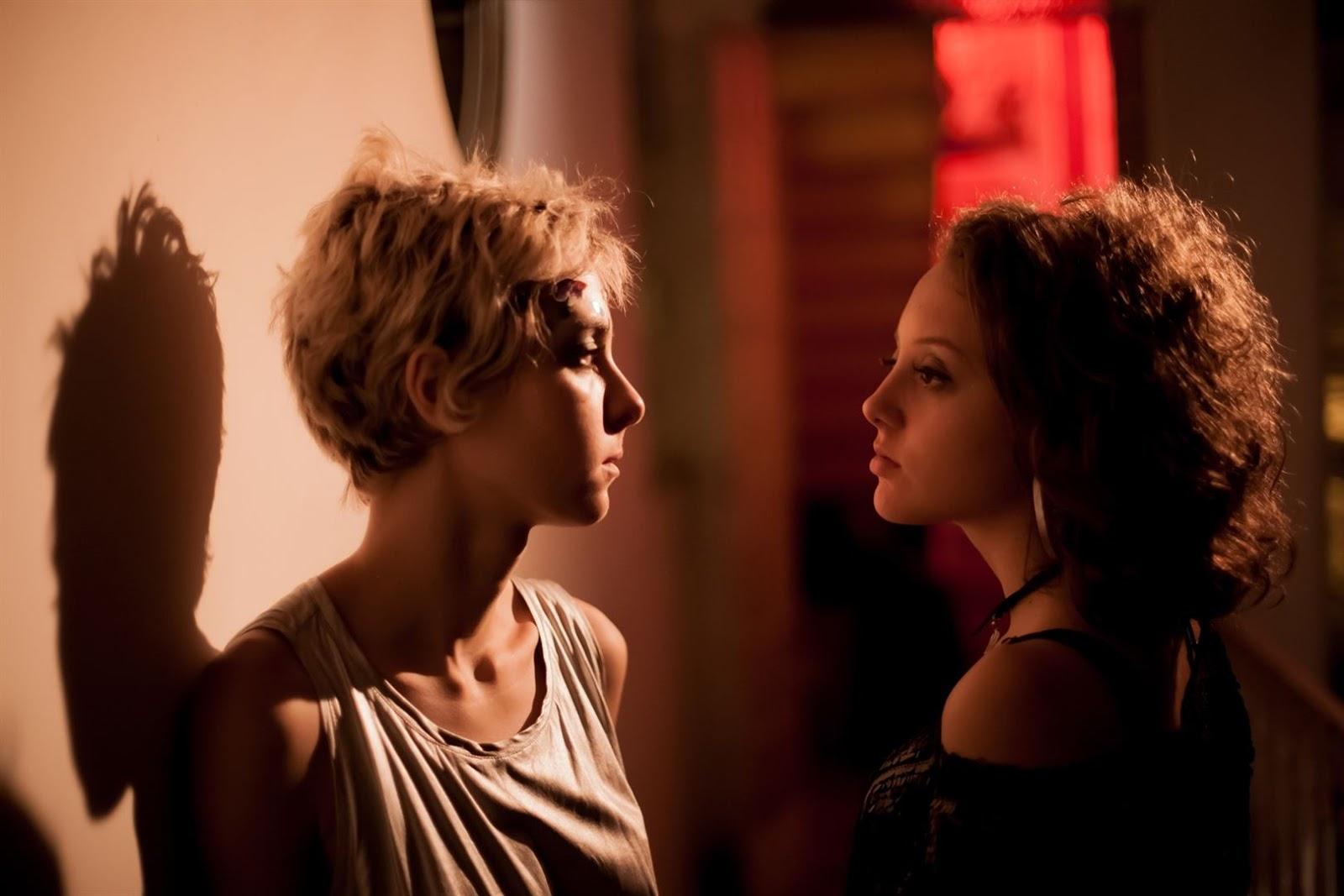 """Emília (Ana Clara Ligeiro) e Luana (Eduarda Fernandes) em cena do filme """"Luna"""""""