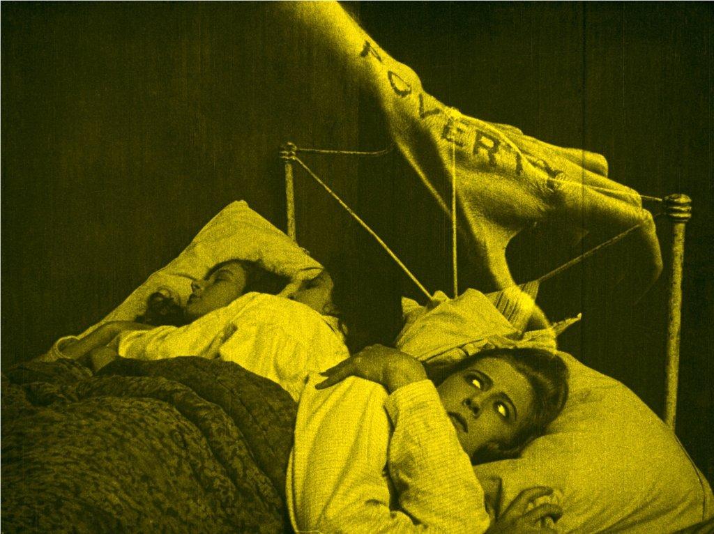 "Mary MacLaren em ""Shoes"" (1916)"
