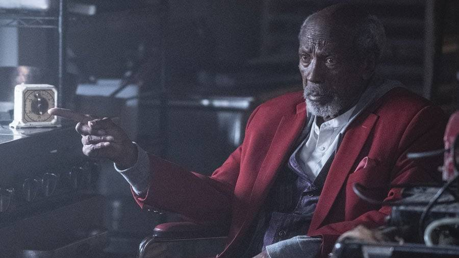 Will Reeves (Louis Gossett Jr.) em Watchmen