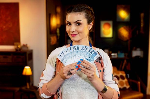 Nathalia Arcuri, youtuber e apresentadora do Me Poupe.