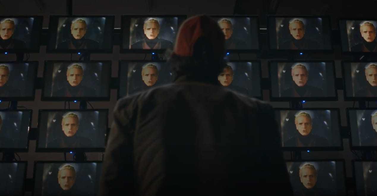 Wade Tillman (Tim Blake Nelson) em cena do quinto episódio de Watchmen