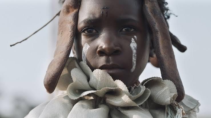 Eu não sou uma bruxa (2017), de Rungano Nyoni [Zâmbia]