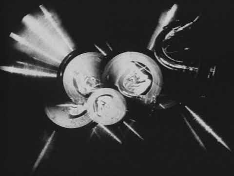 """Cena do abstrato """"Disque 957"""" (1928), Germaine Dulac"""