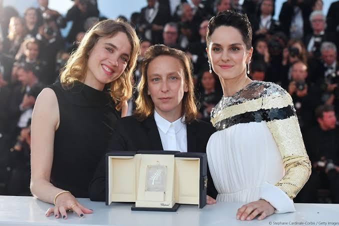 """Adèle Haenel, Céline Sciamma e Noémie Merlant em Cannes, onde """"Retrato de uma jovem em chamas"""" levou o prêmio de melhor roteiro"""