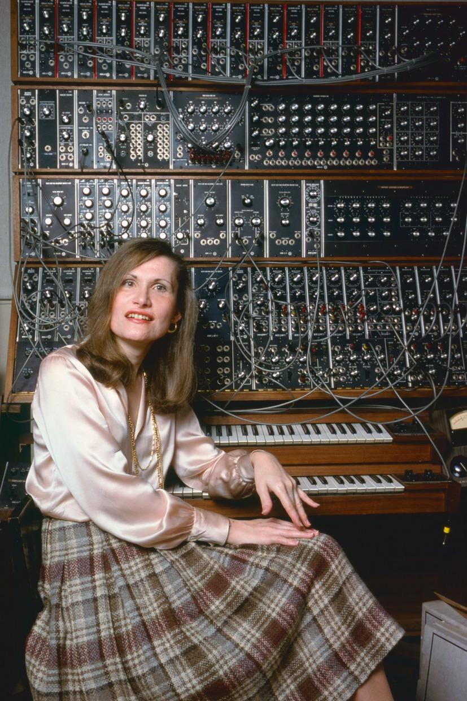 """Cultuada por cinéfilos por assinar trilhas de filmes clássicos de Stanley Kubrick e famosa por seu álbum """"Switched-On Bach"""", Wendy Carlos é pioneira da música eletrônica."""