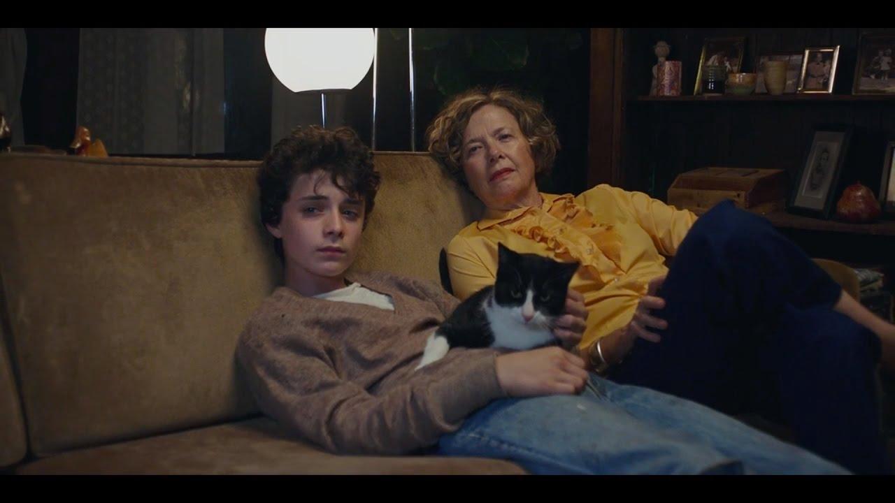 """Dorothea e Lucas em cena de """"Mulheres do Século XX""""."""
