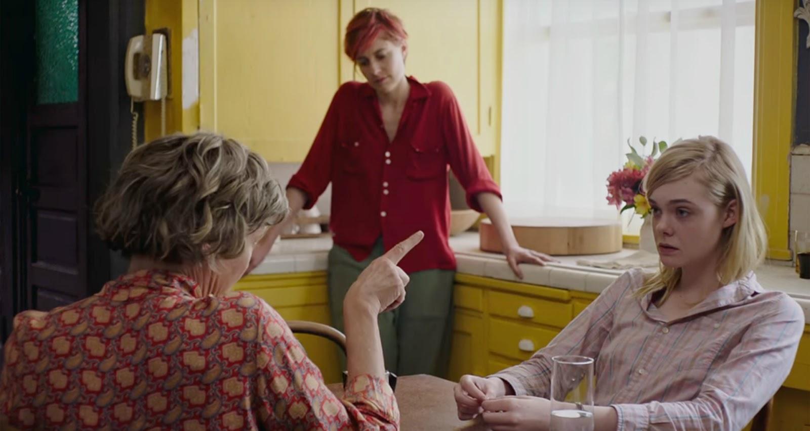 Dorothea pedindo ajuda à Julie e Abbie.