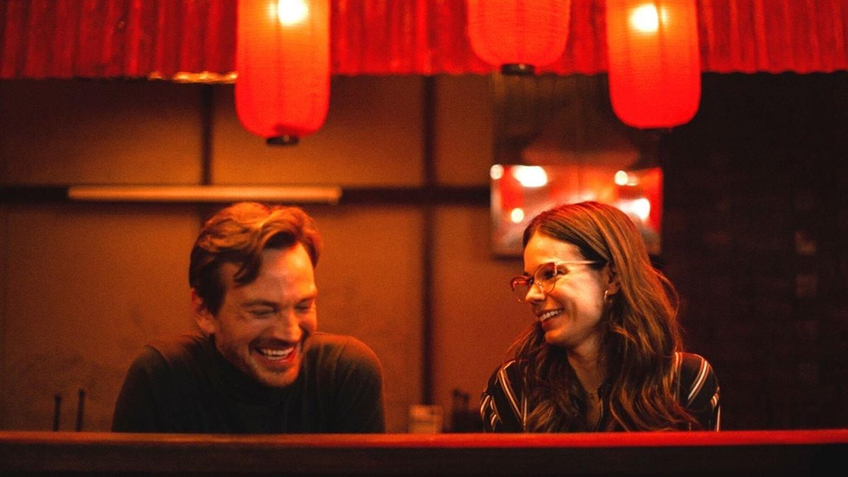 Ele e Ela em cena de Foodie Love, série da Isabel Coixet,