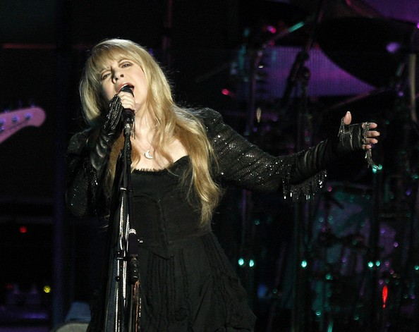 Stevie Nicks no palco.