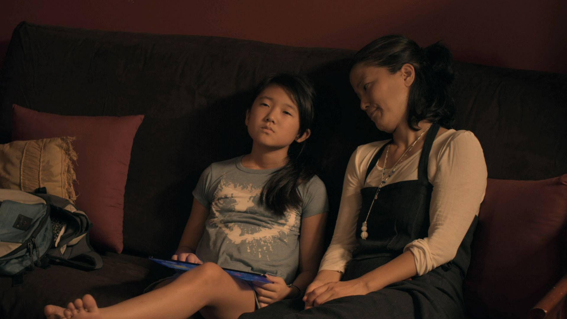 """Gwen e Jules em cena de """"Adventageous"""""""