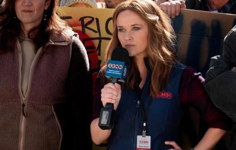 """Reese Whiterspoon como Bradley Jackson em cena de """"The Morning Show"""""""