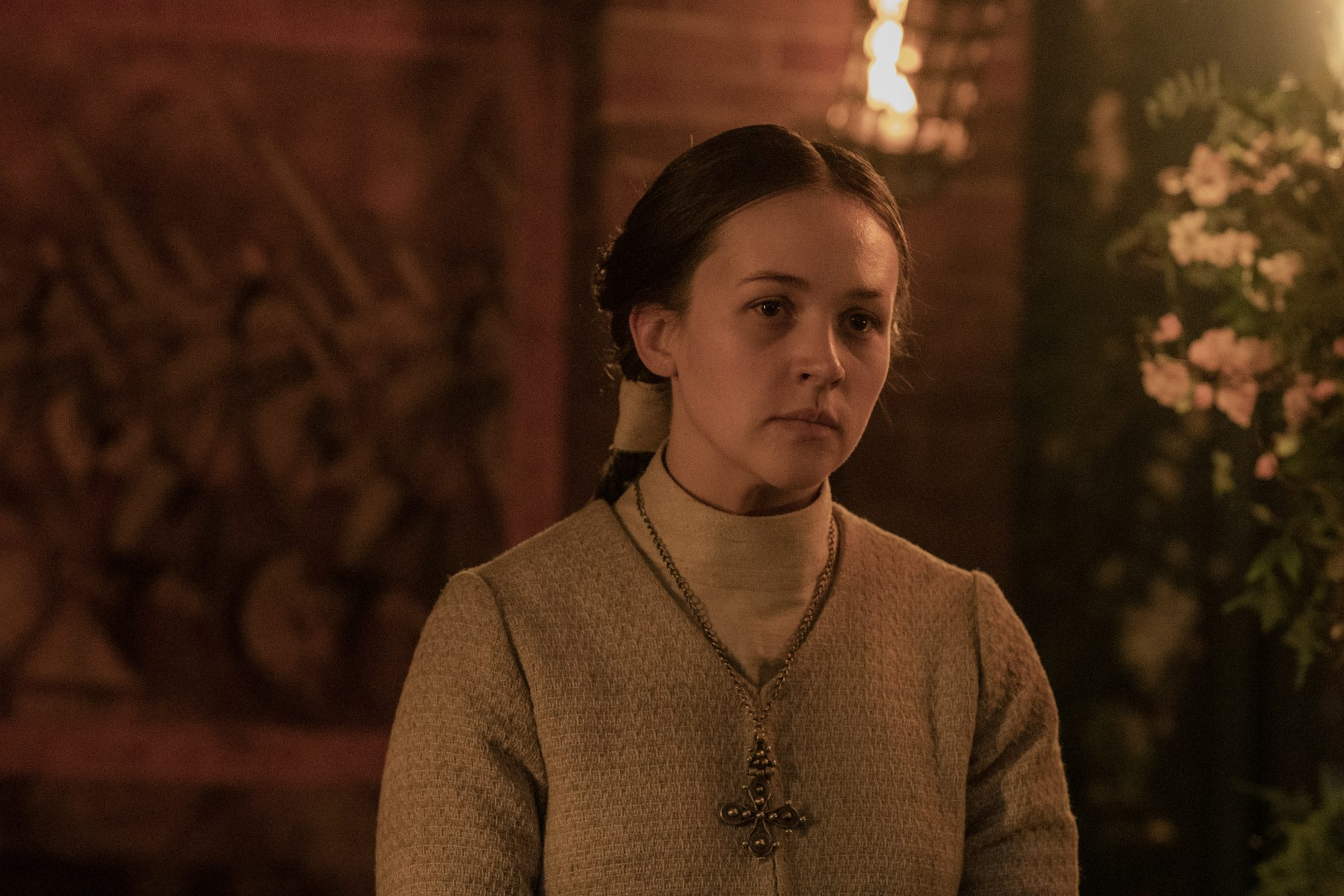 Aelswith (Eliza Butterworth) em The Last Kingdom.
