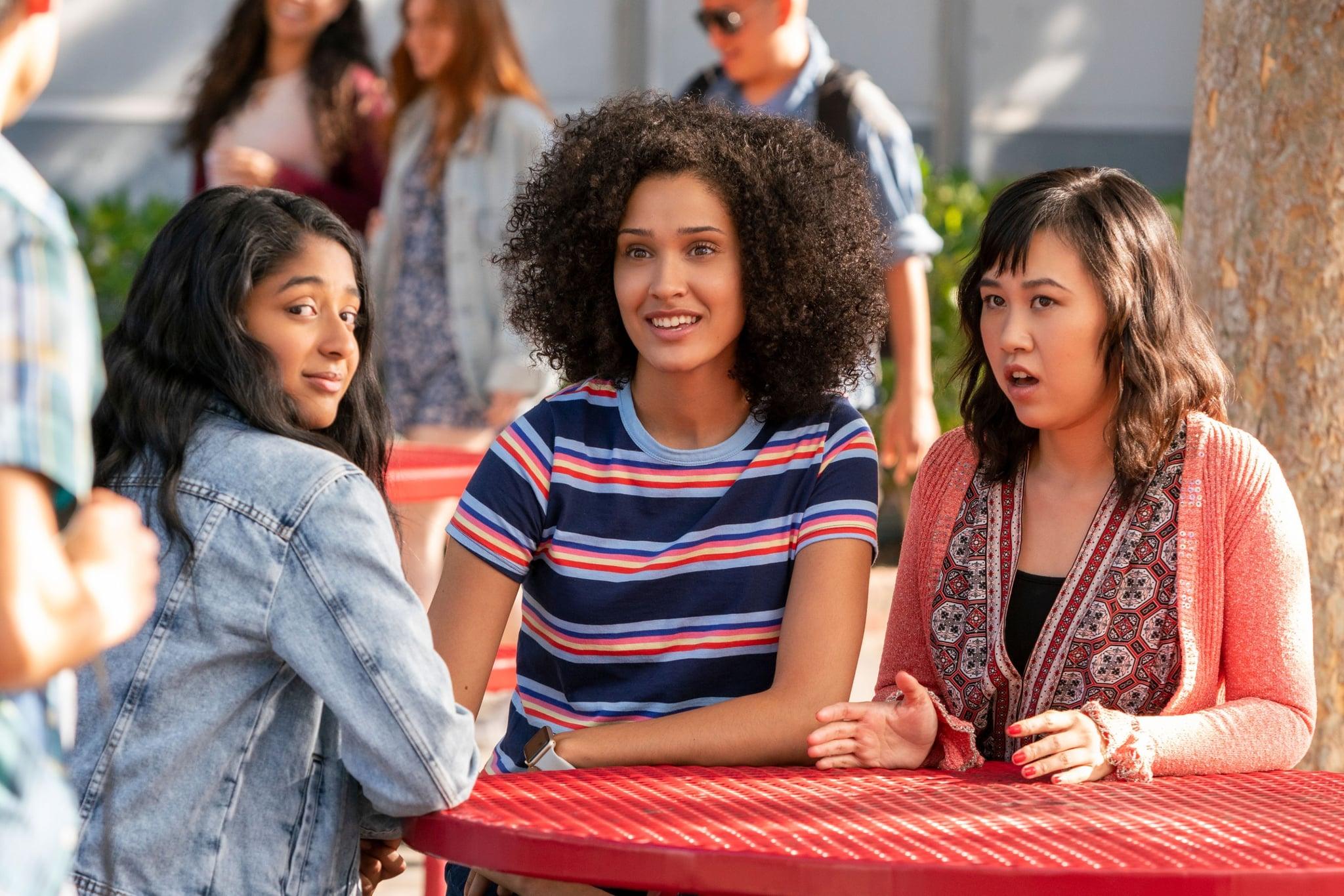 """Devi (Maitreyi Ramakrishnan), Fabiola (Lee Rodriguez) e Eleanor (Ramona Young) em """"Eu Nunca..."""""""