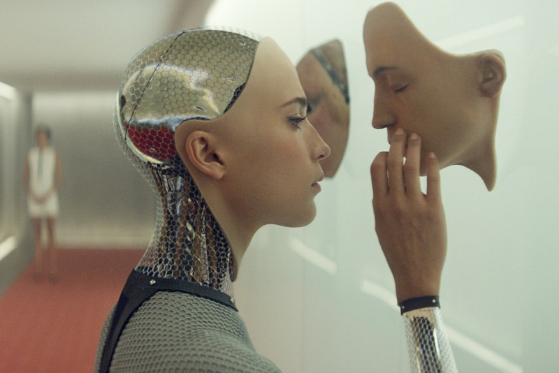 "Cena do filme ""Ex_Machina: Instinto Artificial""."