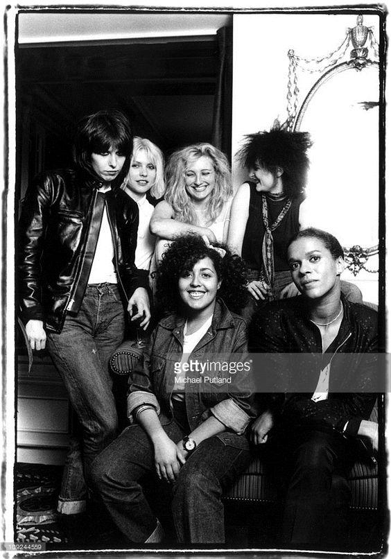 Chrissie Hynde, Debbie Harry, Viv Albertine, Siouxsie Sioux, Poly Styrene e Pauline Black