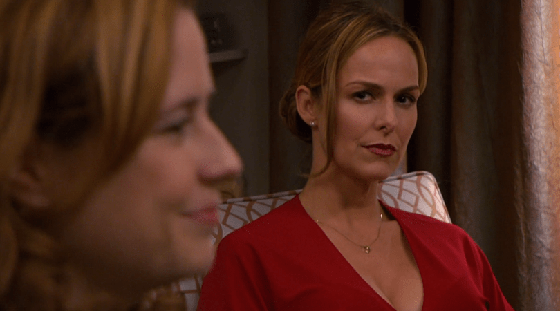 Pam e Jen em cena de The Office