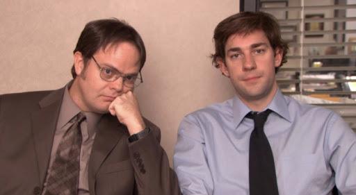 Dwight e Jim em um dos depoimentos de The Office