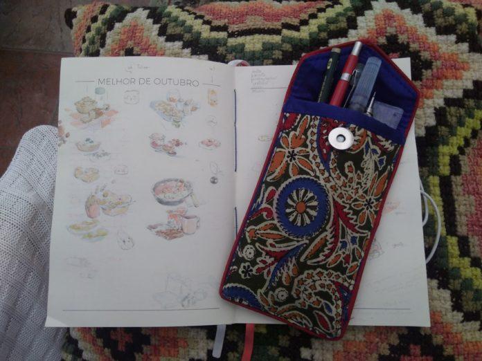 Diário de estudos da Lu com desenhos de comidinhas para a graphic novel da Magali