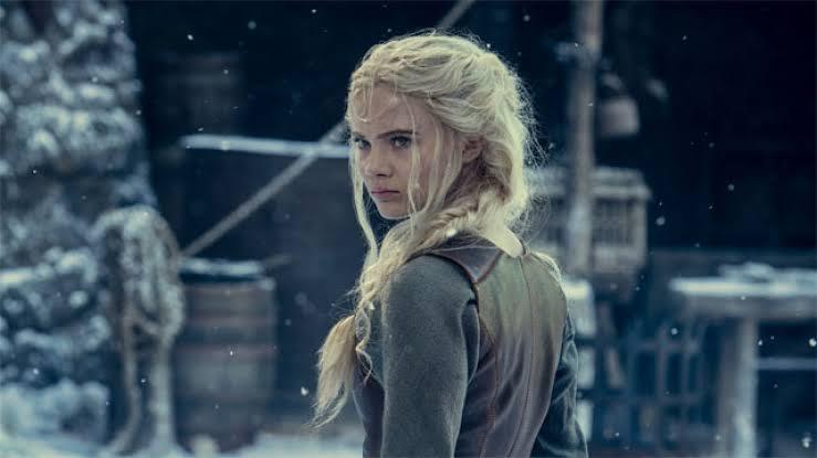 Ciri (Freya Allan) em The Witcher, série da Netflix.