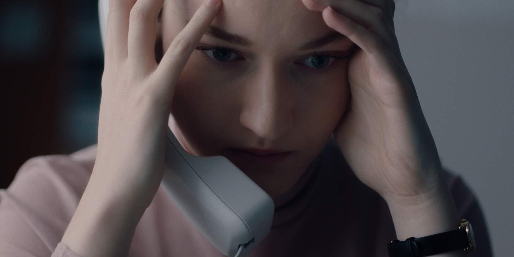 Julia Garder em A Assistente.