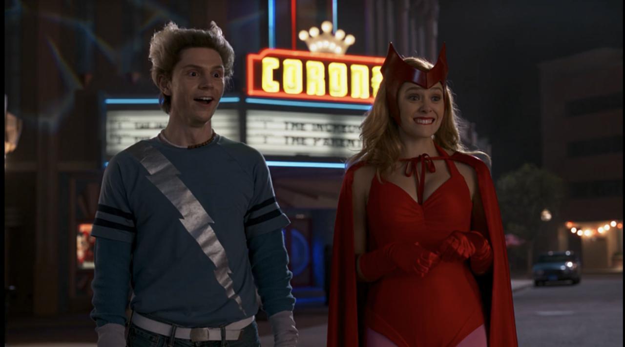 Pietro e Wanda Maximoff em suas roupas originais dos quadrinhos.