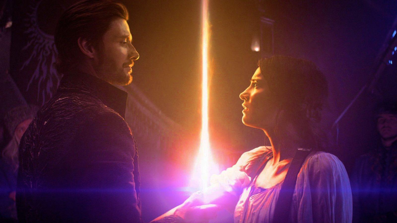 Ben Barnes (General Kirigan) e Alina Starkov (Jessie Mei Li)