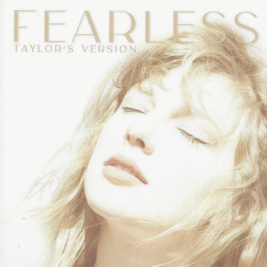 Taylor Swift em imagem promocional de Fearless (Taylor's Version)