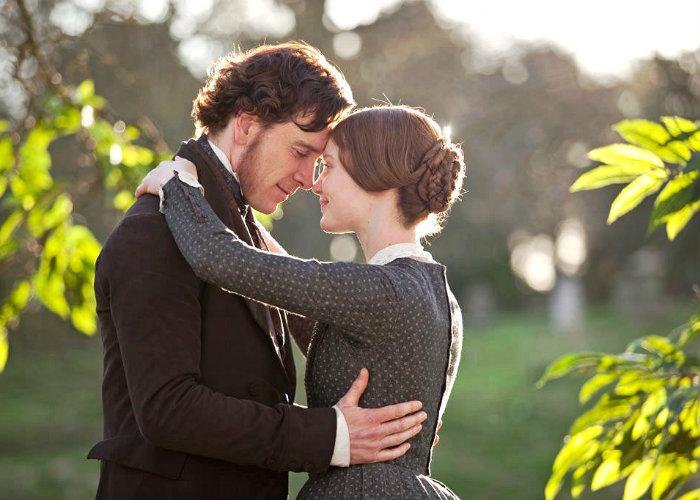 Adaptação de Jane Eyre (2011), dirigida por Cary Joji Fukunaga, com roteiro de Moira Buffini