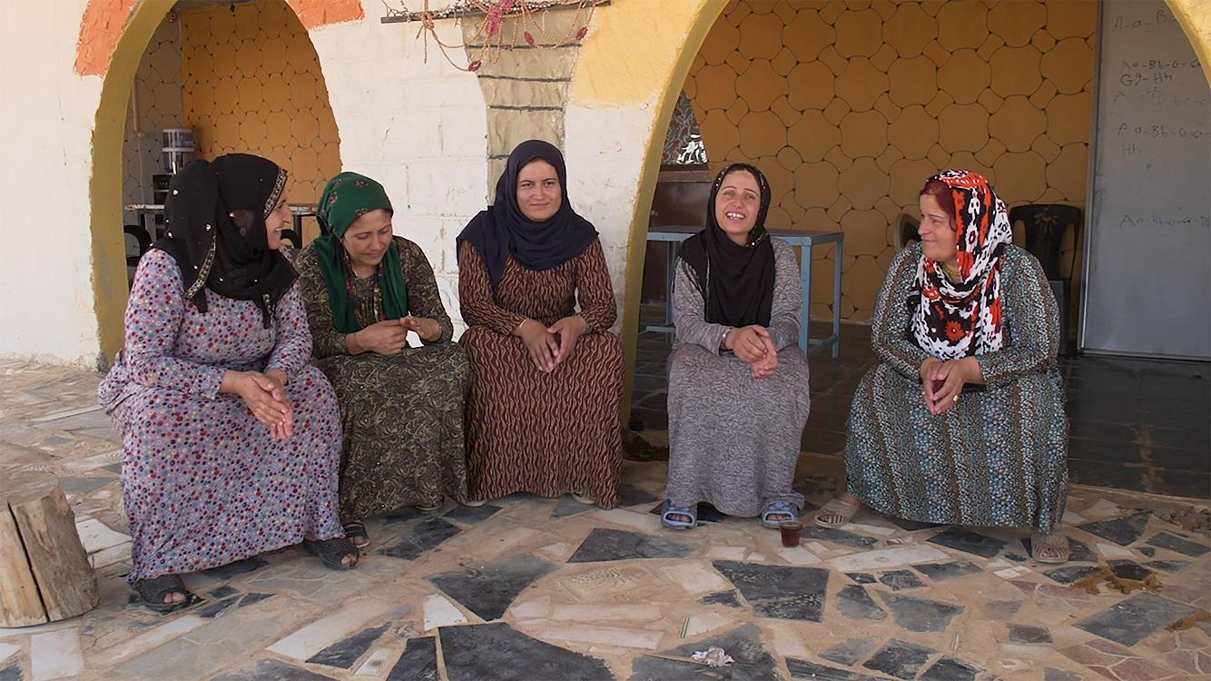 """Cena do filme """"Quem Tem Medo de Ideologia?"""", de Marwa Arsanios   2ª Mostra de Cinema Árabe Feminino"""