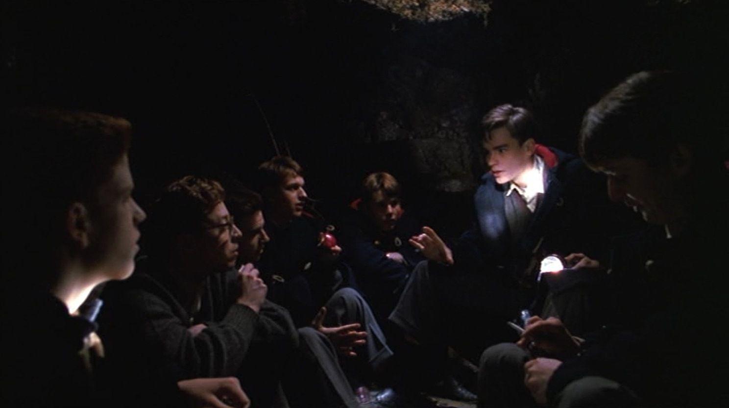 """Cena do filme """"Sociedade dos Poetas Mortos"""""""