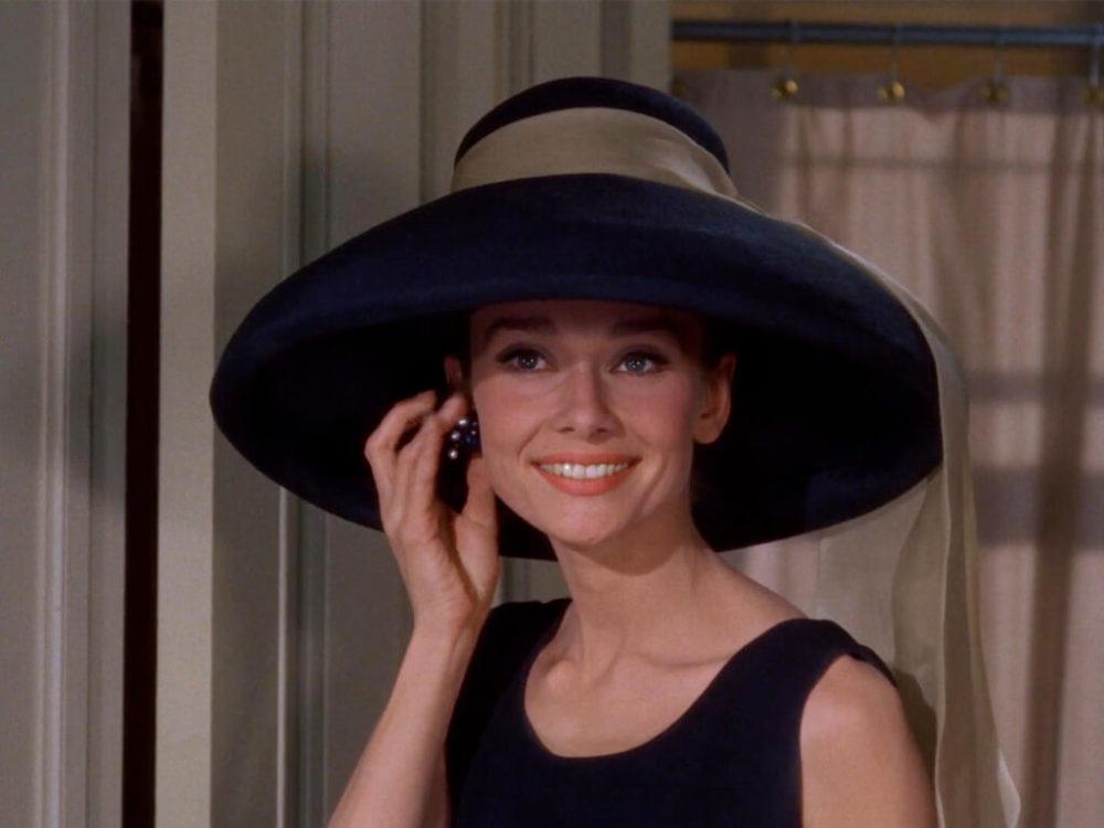 Audrey Hepburn como Holly Golightly